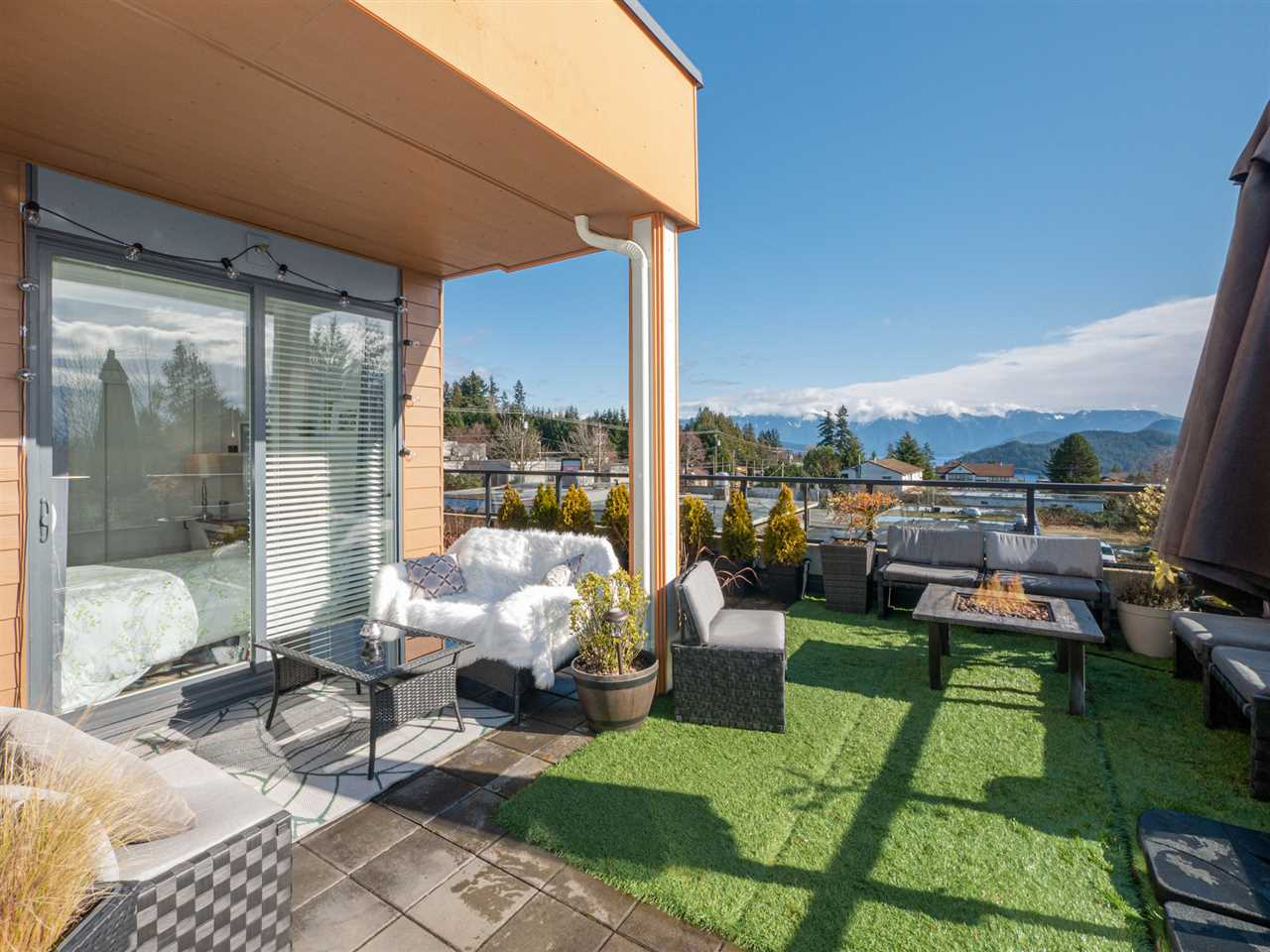 210 210 875 GIBSONS WAY - Gibsons & Area Apartment/Condo for sale, 2 Bedrooms (R2542139) - #31