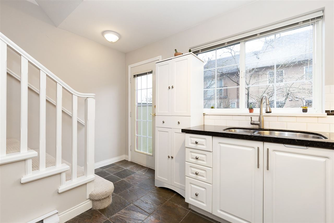 6 1561 BOOTH AVENUE - Maillardville Townhouse for sale, 2 Bedrooms (R2542145) - #11