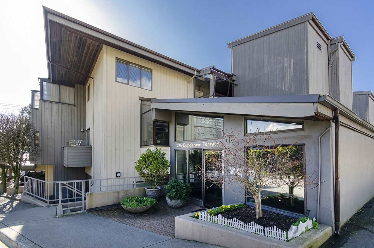 206 225 24TH STREET - Dundarave Apartment/Condo for sale, 2 Bedrooms (R2543989) - #1