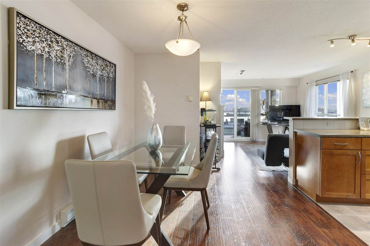 313 365 E 1ST STREET - Lower Lonsdale Apartment/Condo for sale, 2 Bedrooms (R2544148) - #1