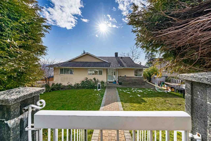 5220 SUNNINGDALE ROAD - Capitol Hill BN House/Single Family for sale, 5 Bedrooms (R2544371)