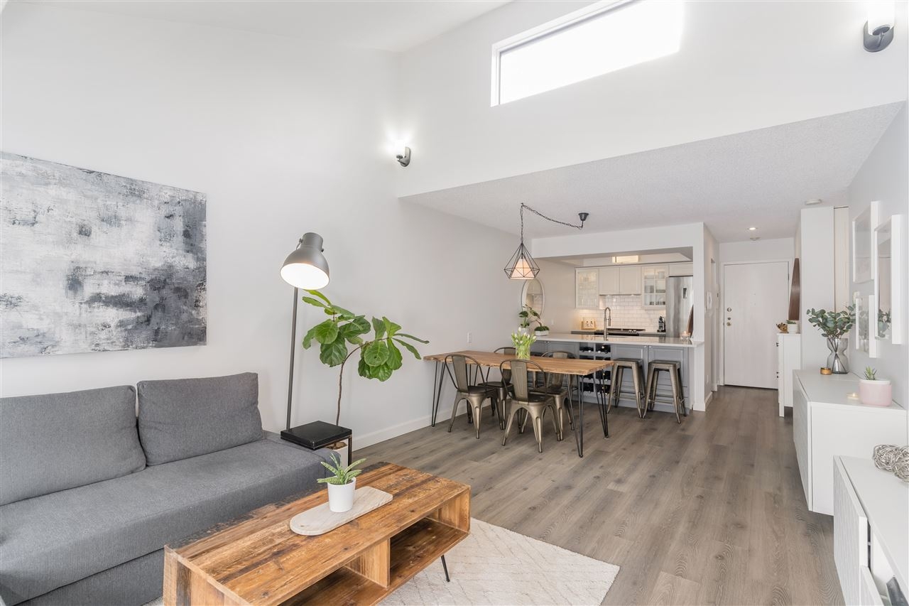 336 210 W 2ND STREET - Lower Lonsdale Apartment/Condo for sale, 1 Bedroom (R2546540) - #1