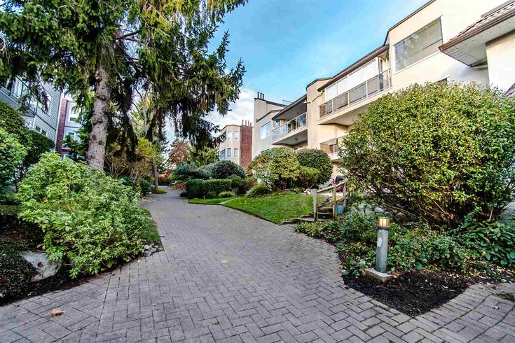 204 1225 MERKLIN STREET - White Rock Apartment/Condo for sale, 2 Bedrooms (R2546584)