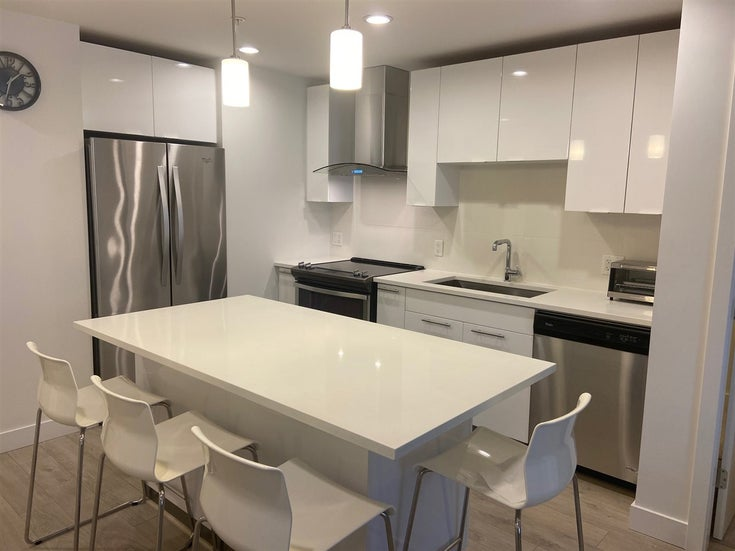 321 723 W 3RD STREET - Harbourside Apartment/Condo for sale, 2 Bedrooms (R2546690)