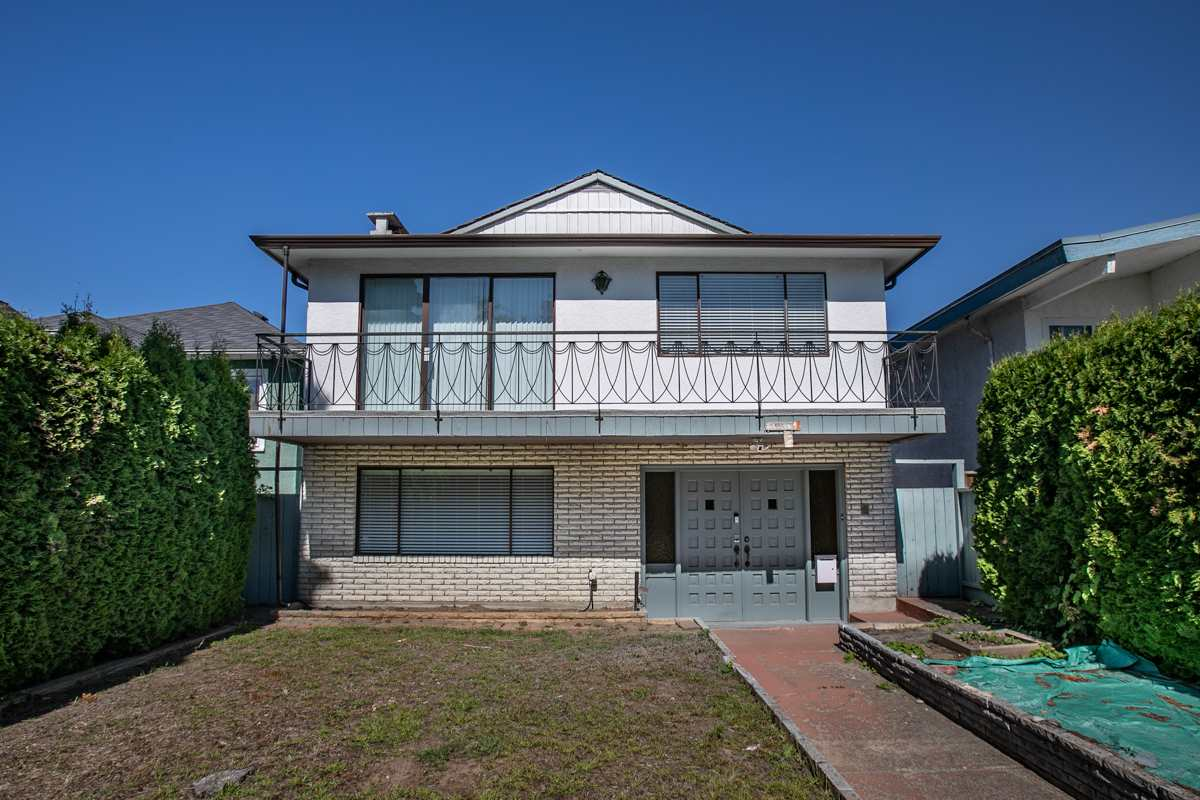 55 E 49TH AVENUE - South Vancouver House/Single Family for sale, 8 Bedrooms (R2546929)
