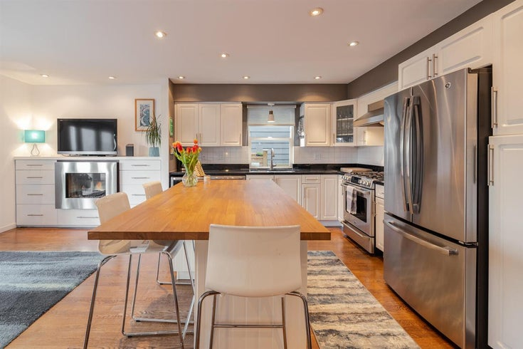 343 E 6TH STREET - Lower Lonsdale 1/2 Duplex for sale, 3 Bedrooms (R2547318)