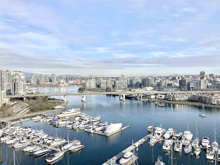 2001 1228 MARINASIDE CRESCENT - Yaletown Apartment/Condo for sale, 2 Bedrooms (R2550727)