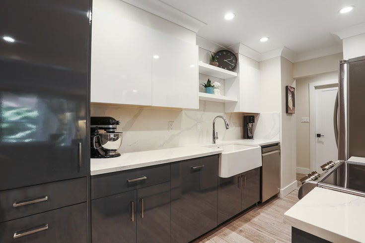 203 5340 HASTINGS STREET - Capitol Hill BN Apartment/Condo for sale, 2 Bedrooms (R2552464)
