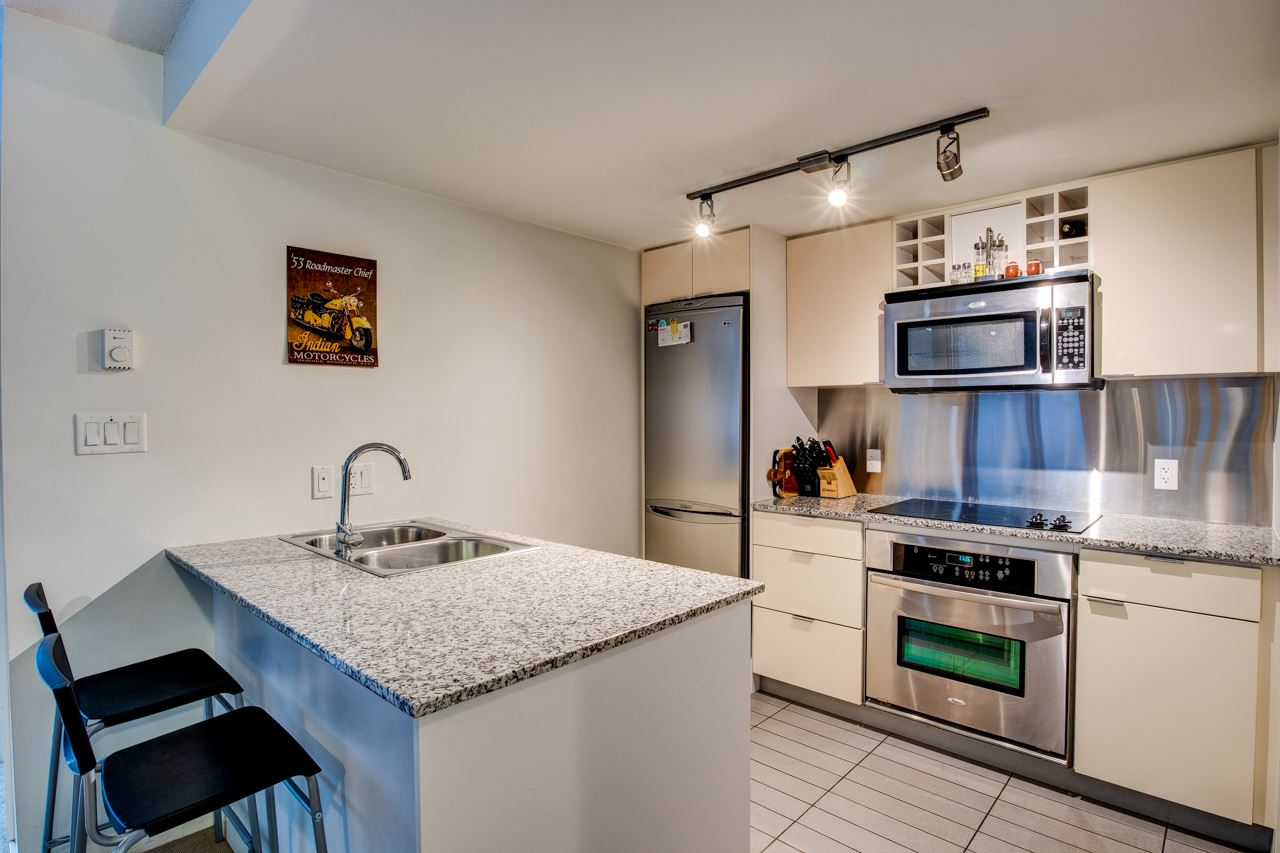 301 233 ROBSON STREET - Downtown VW Apartment/Condo for sale, 2 Bedrooms (R2555486) - #1