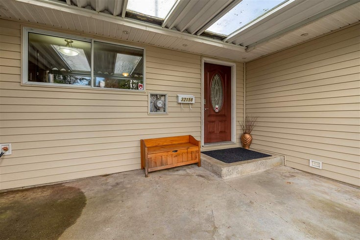 32158 HOLIDAY AVENUE - Mission BC House/Single Family for sale, 5 Bedrooms (R2555893)