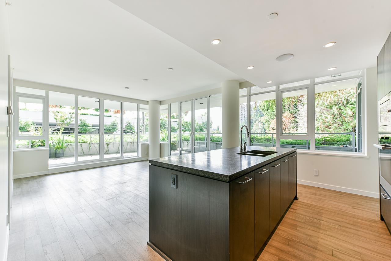203 788 ARTHUR ERICKSON PLACE - Park Royal Apartment/Condo for sale, 2 Bedrooms (R2556551) - #1
