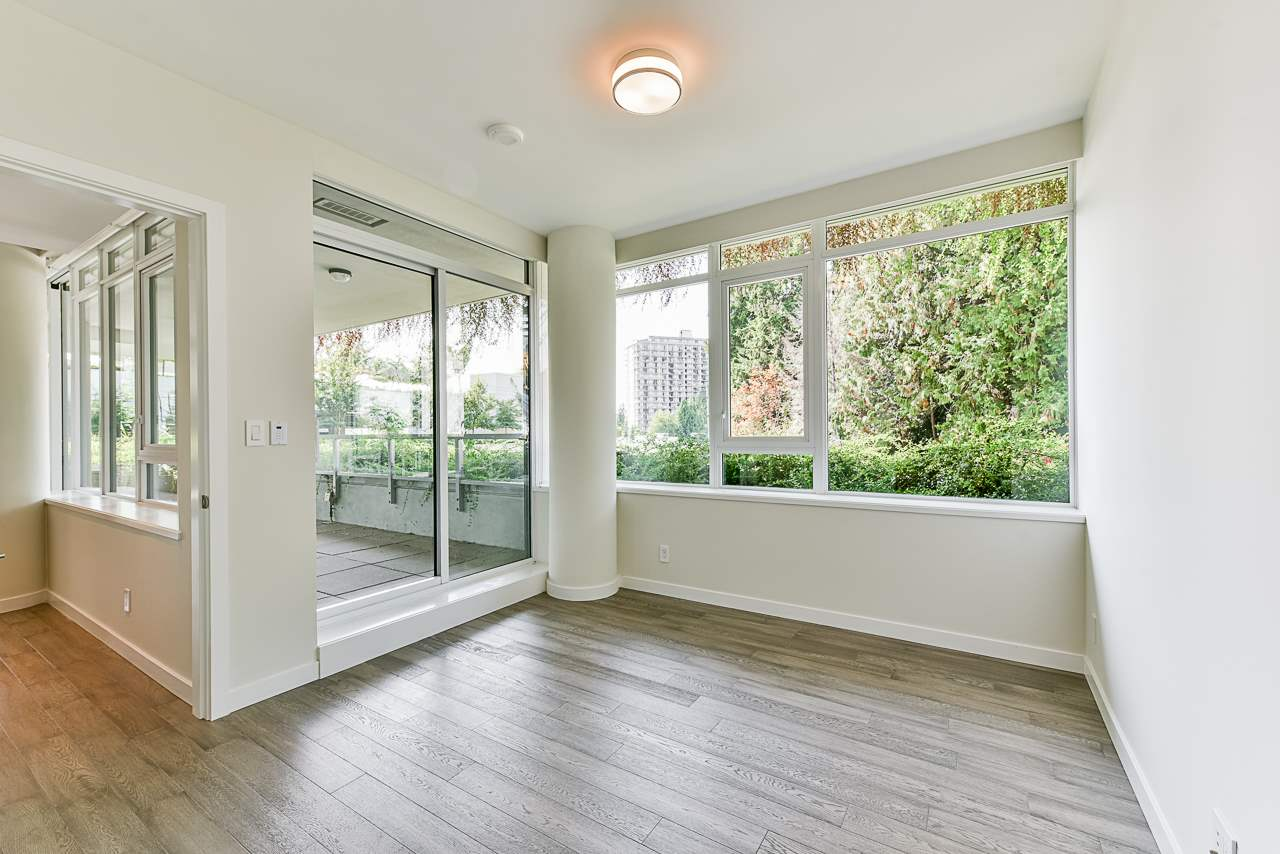 203 788 ARTHUR ERICKSON PLACE - Park Royal Apartment/Condo for sale, 2 Bedrooms (R2556551) - #20