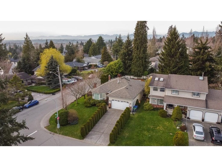 18207 58A AVENUE - Cloverdale BC House/Single Family for sale, 3 Bedrooms (R2558839)