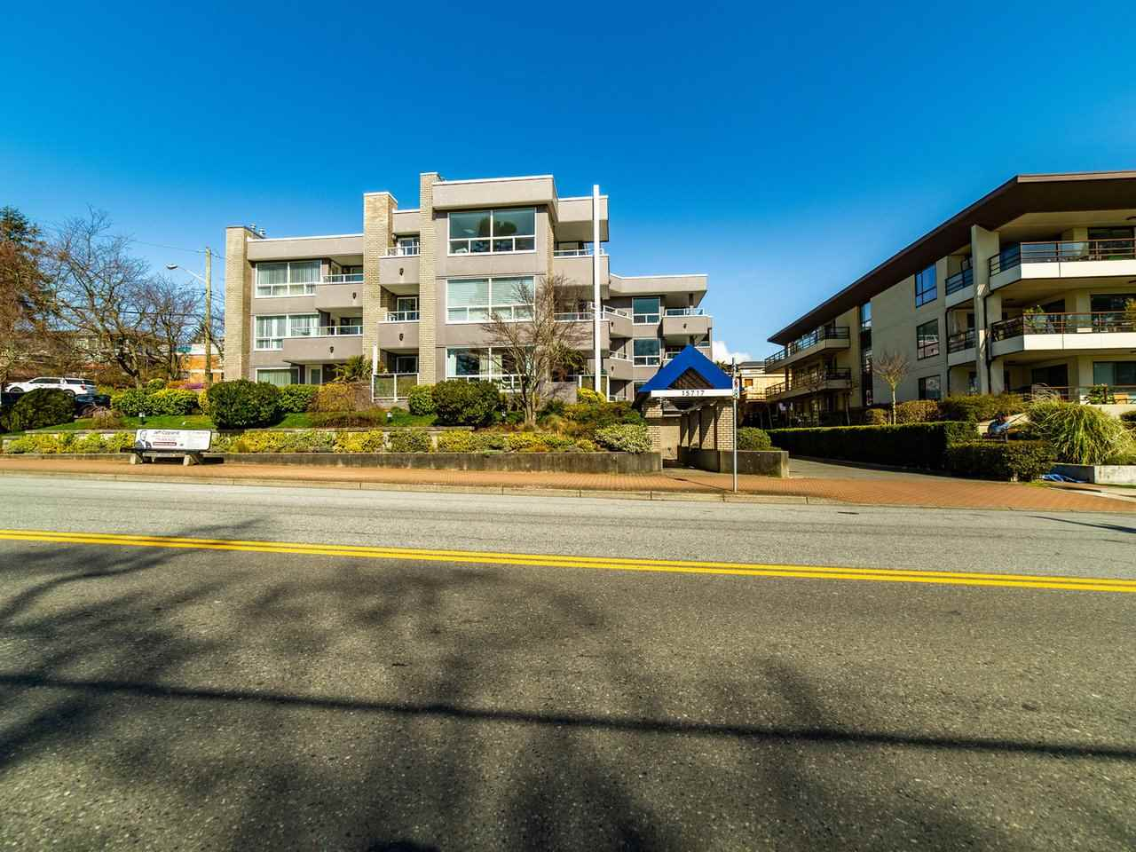 301 15717 MARINE DRIVE - White Rock Apartment/Condo for sale, 2 Bedrooms (R2559350) - #1