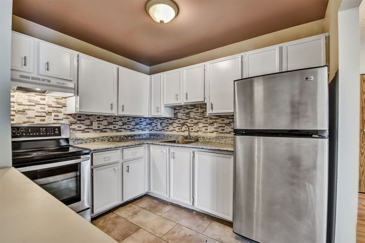 203 32870 GEORGE FERGUSON WAY - Central Abbotsford Apartment/Condo for sale, 2 Bedrooms (R2559401)