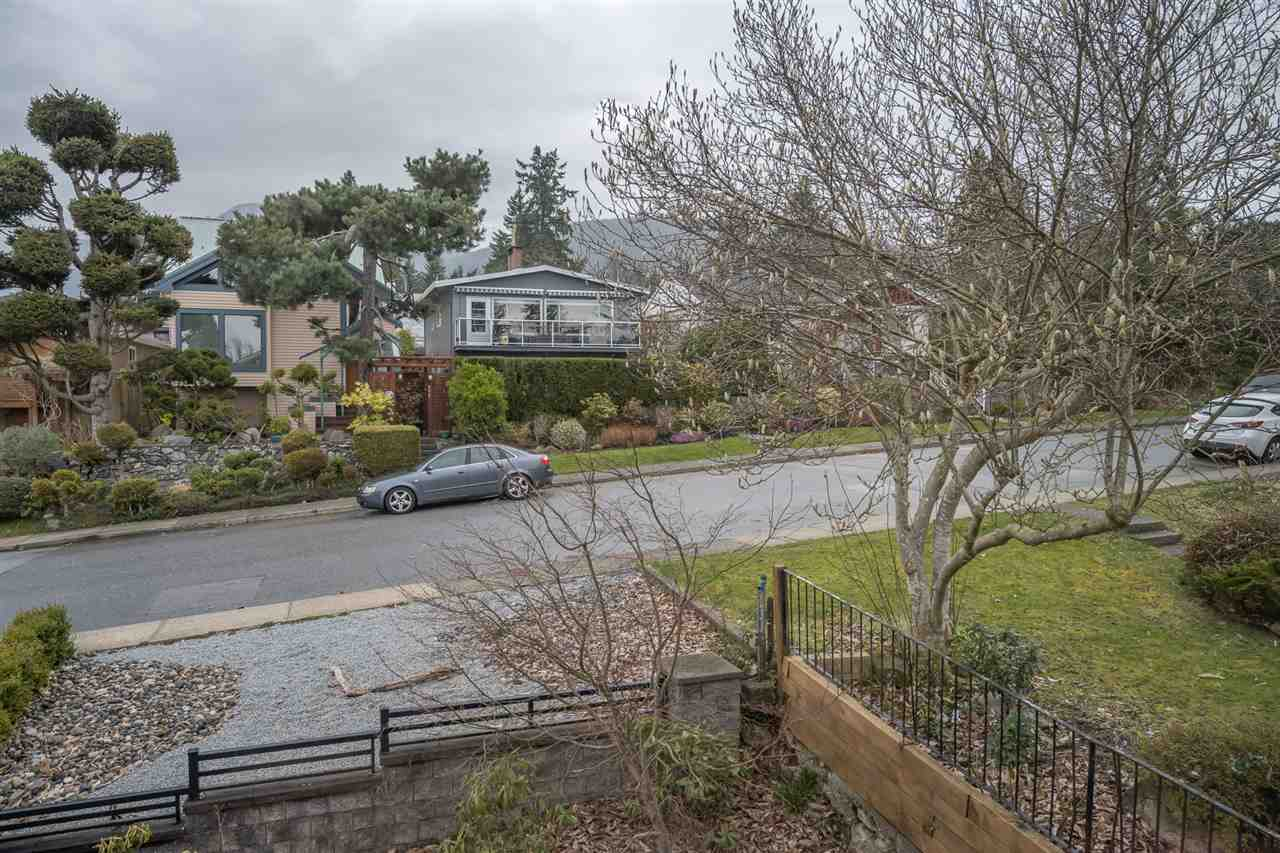 317 W 27TH STREET - Upper Lonsdale House/Single Family for sale, 5 Bedrooms (R2559734) - #24