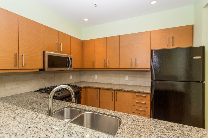 204 188 W 29TH STREET - Upper Lonsdale Apartment/Condo for sale, 2 Bedrooms (R2559812) - #9