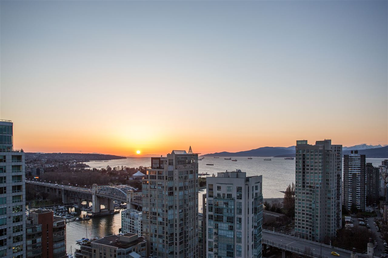 2504 1455 HOWE STREET - Yaletown Apartment/Condo for sale, 2 Bedrooms (R2560069) - #3