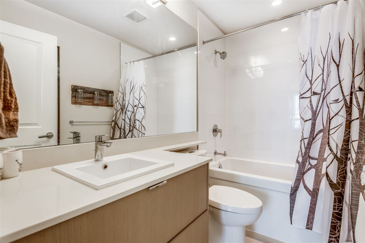 210 255 W 1ST STREET - Lower Lonsdale Apartment/Condo for sale, 2 Bedrooms (R2560326) - #17
