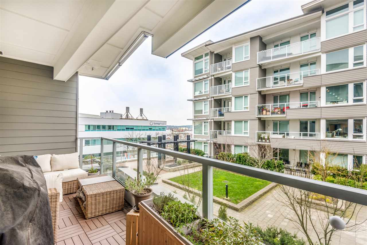 210 255 W 1ST STREET - Lower Lonsdale Apartment/Condo for sale, 2 Bedrooms (R2560326) - #18