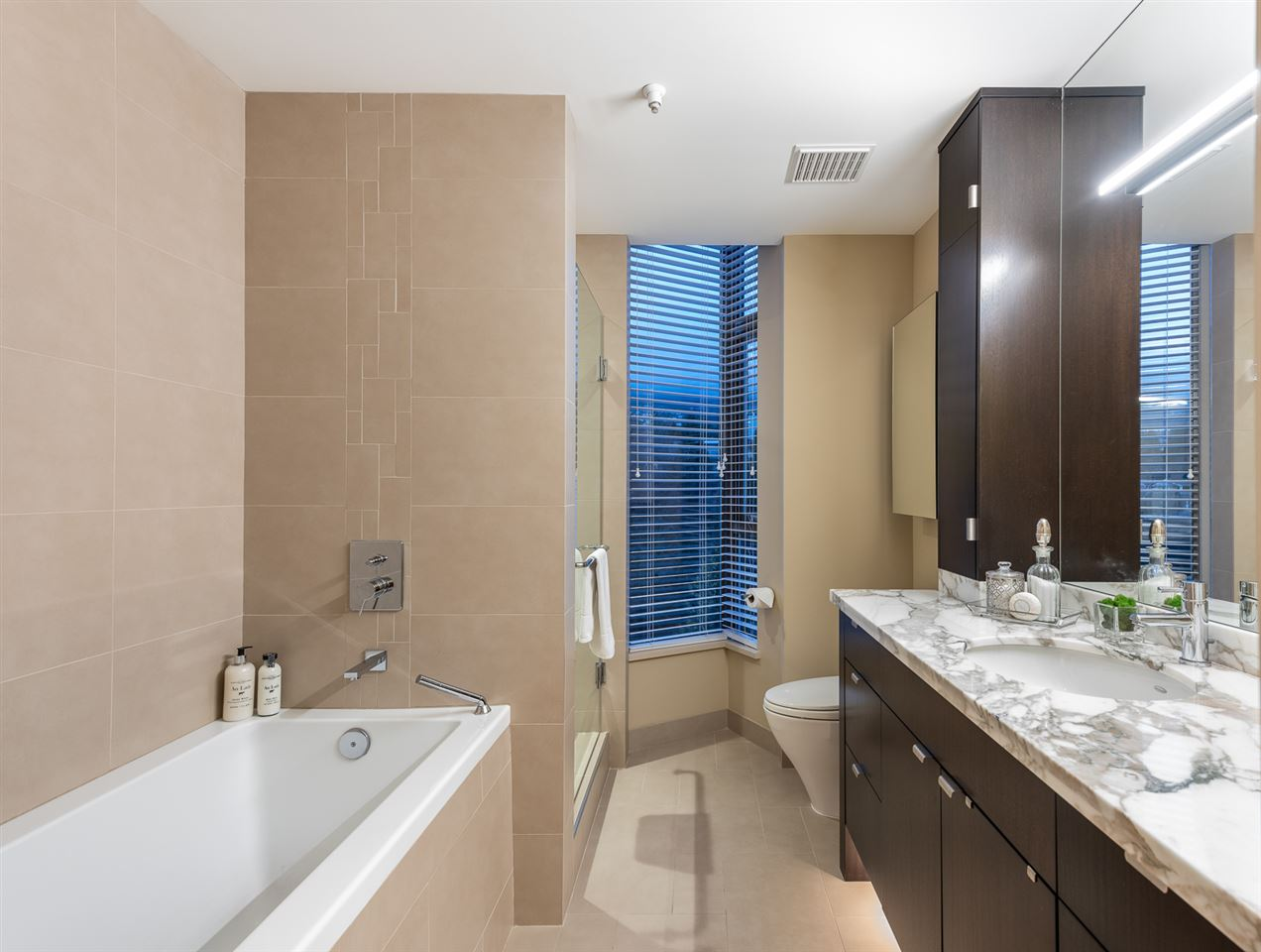 702 570 18TH STREET - Ambleside Apartment/Condo for sale, 2 Bedrooms (R2560371) - #13