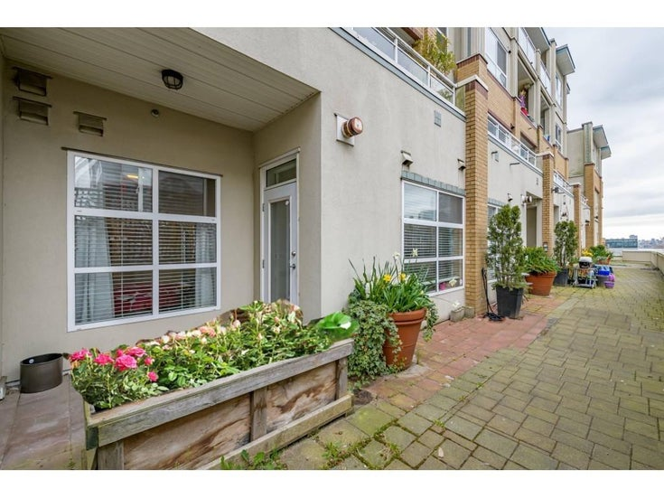 111 108 W ESPLANADE - Lower Lonsdale Apartment/Condo for sale, 2 Bedrooms (R2560647)