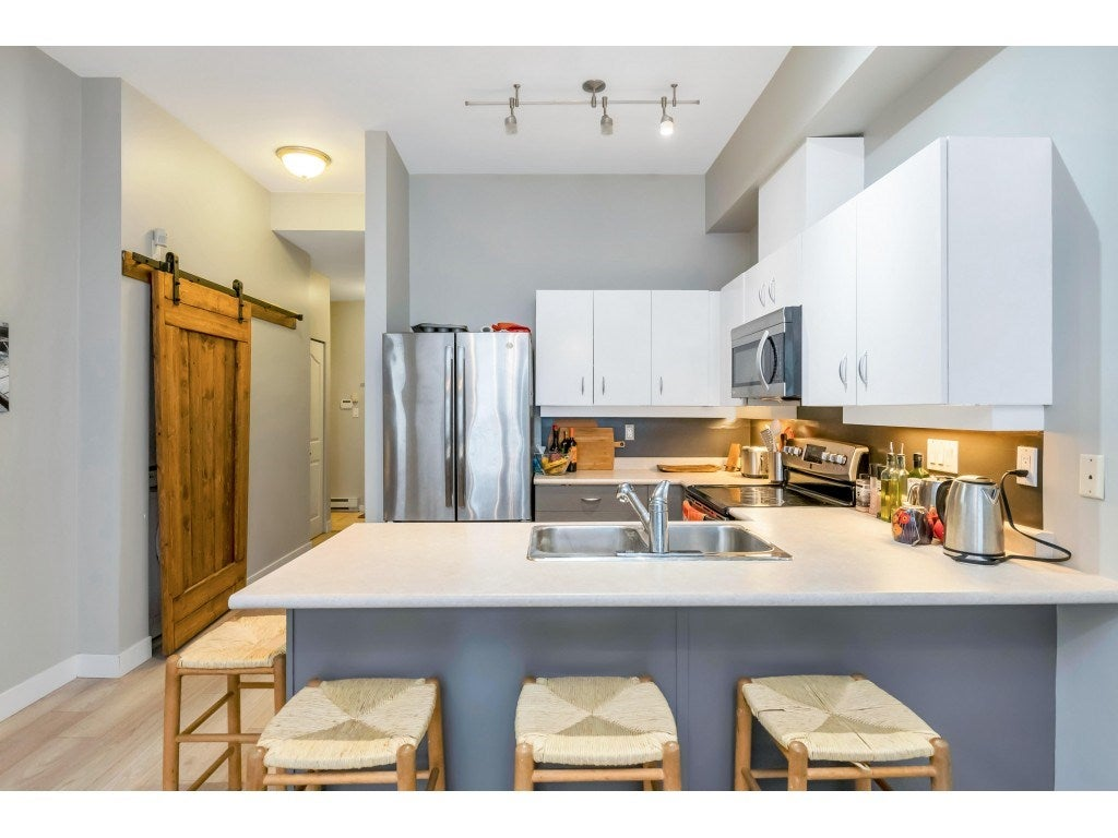 111 108 W ESPLANADE - Lower Lonsdale Apartment/Condo for sale, 2 Bedrooms (R2560647) - #3