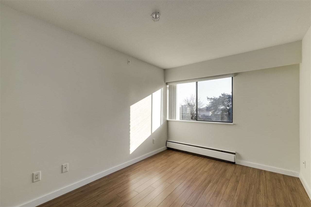 303 120 E 5TH STREET - Lower Lonsdale Apartment/Condo for sale, 2 Bedrooms (R2560748) - #12