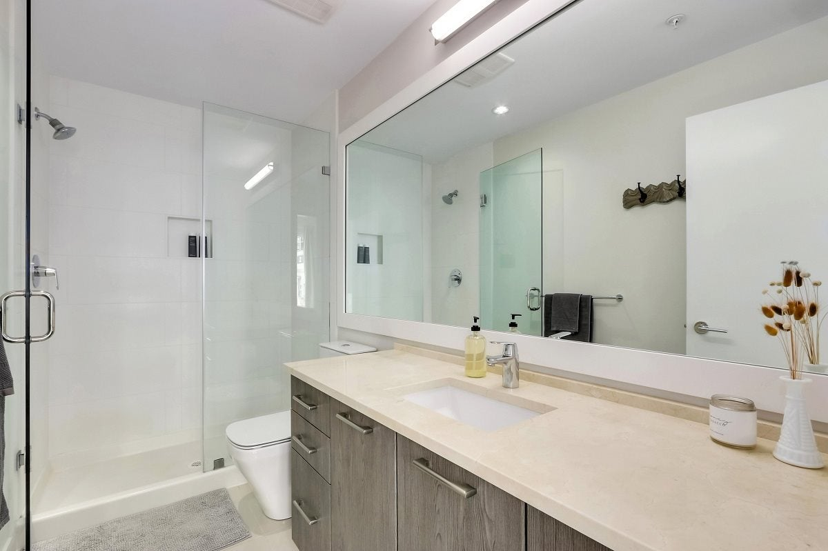 301 123 W 1ST STREET - Lower Lonsdale Apartment/Condo for sale, 2 Bedrooms (R2560836) - #18