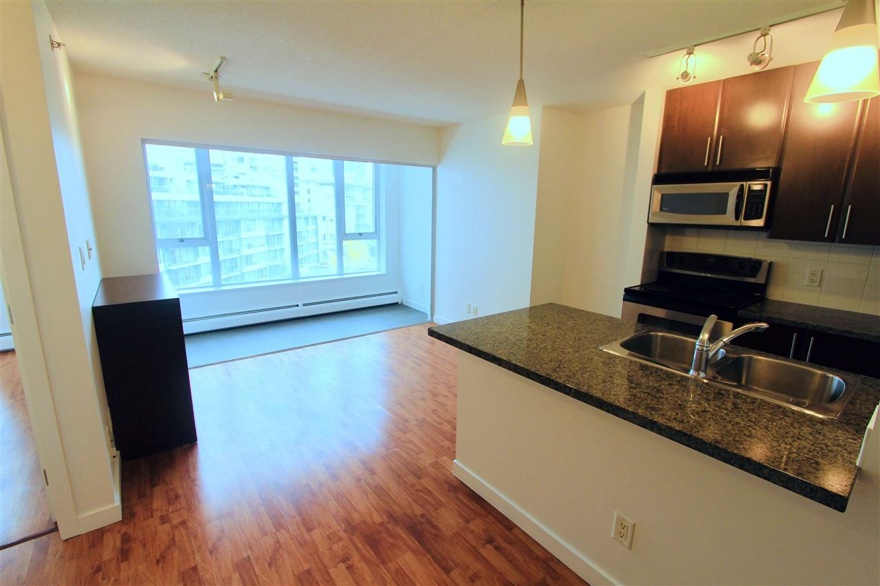 907 688 ABBOTT STREET - Downtown VW Apartment/Condo for sale, 1 Bedroom (R2561398) - #1