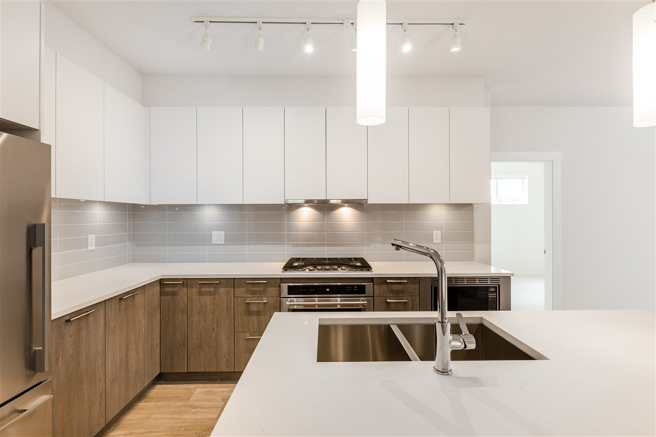 211 625 E 3RD STREET - Lower Lonsdale Apartment/Condo for sale, 2 Bedrooms (R2561591) - #2