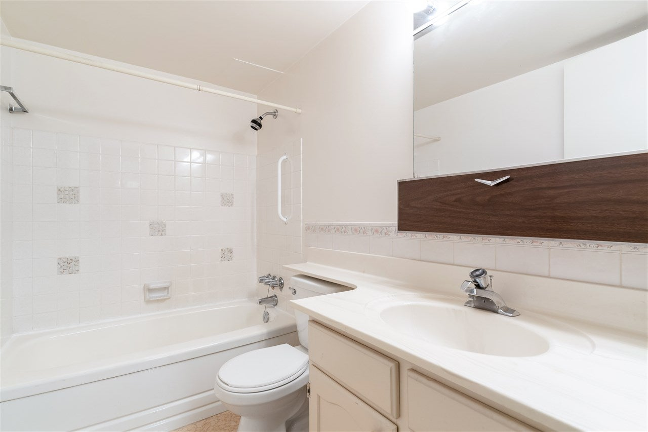 212 1345 CHESTERFIELD AVENUE - Central Lonsdale Apartment/Condo for sale, 1 Bedroom (R2561595) - #11