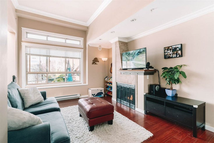 32 2375 W BROADWAY - Kitsilano Townhouse for sale, 2 Bedrooms (R2561941)