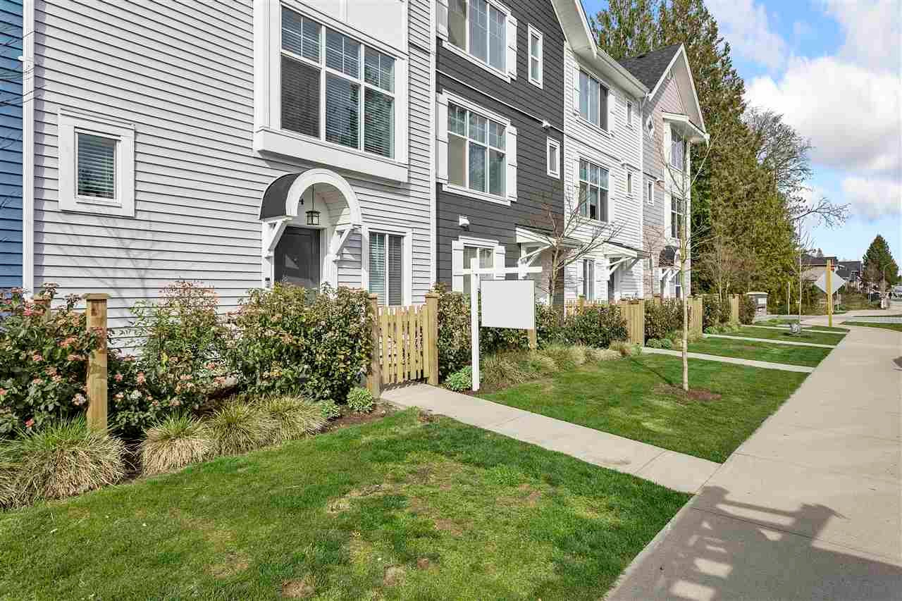 4 20451 84 AVENUE - Willoughby Heights Townhouse for sale, 3 Bedrooms (R2562052) - #2