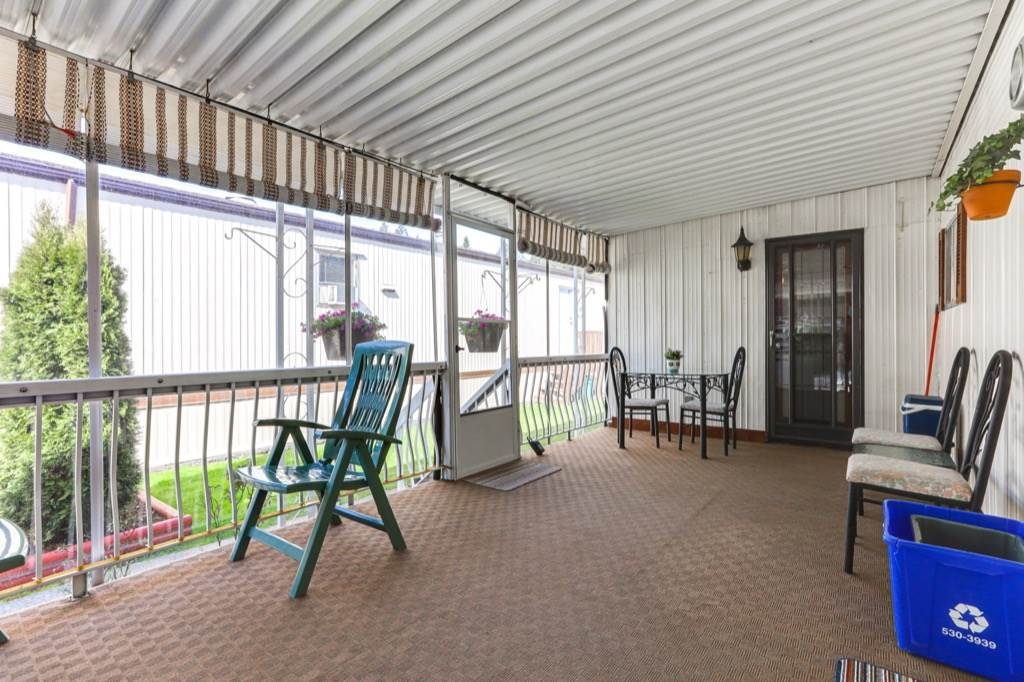 52 9080 198 STREET - Walnut Grove Manufactured for sale, 2 Bedrooms (R2562406) - #16