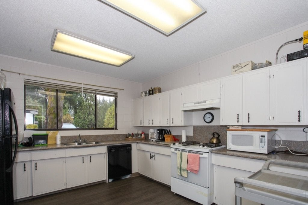 52 9080 198 STREET - Walnut Grove Manufactured for sale, 2 Bedrooms (R2562406) - #24