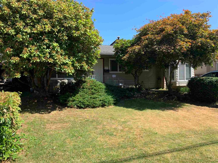 15835 RUSSELL AVENUE - White Rock House/Single Family for sale, 2 Bedrooms (R2562797)
