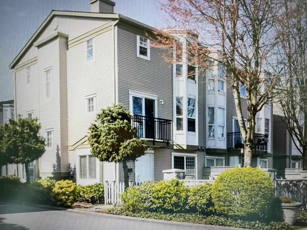 4 9559 130A STREET - Queen Mary Park Surrey Townhouse for sale, 5 Bedrooms (R2562960) - #1