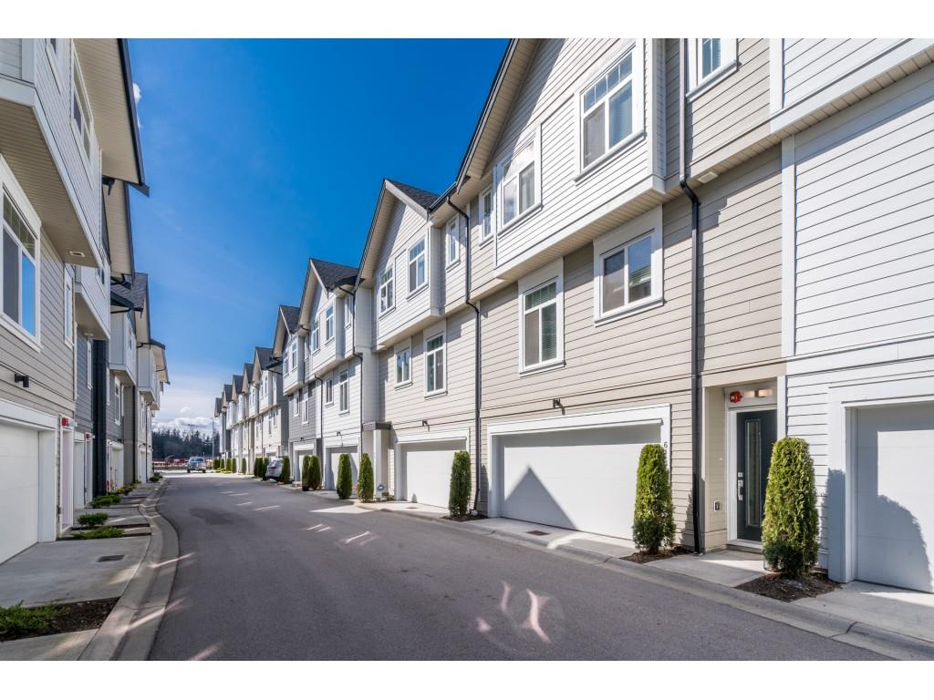 61 7665 209 STREET - Willoughby Heights Townhouse for sale, 3 Bedrooms (R2563765) - #1