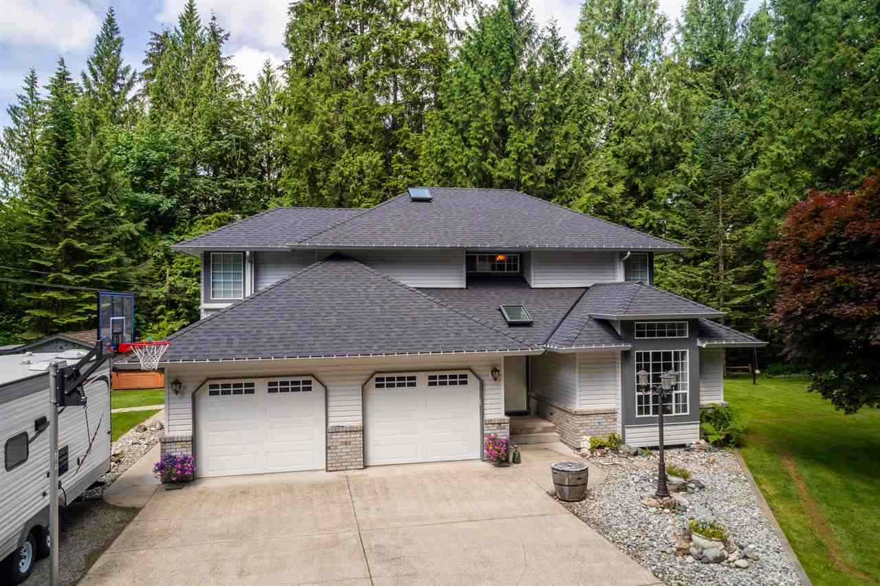 8867 EMIRY STREET - Mission BC House with Acreage for sale, 4 Bedrooms (R2564034) - #1