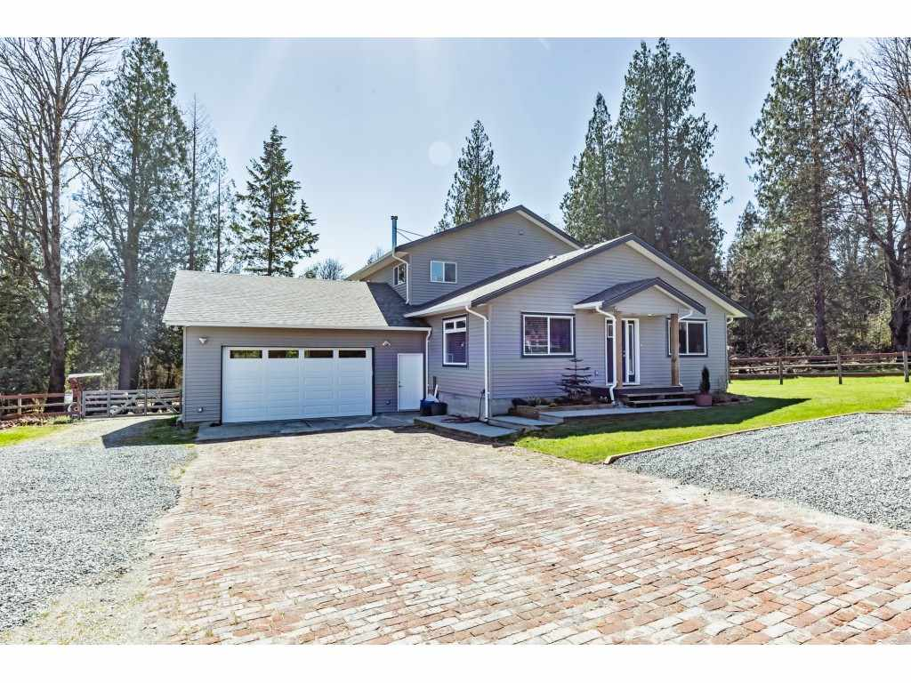 30886 DEWDNEY TRUNK ROAD - Stave Falls House with Acreage for sale, 3 Bedrooms (R2564270) - #1