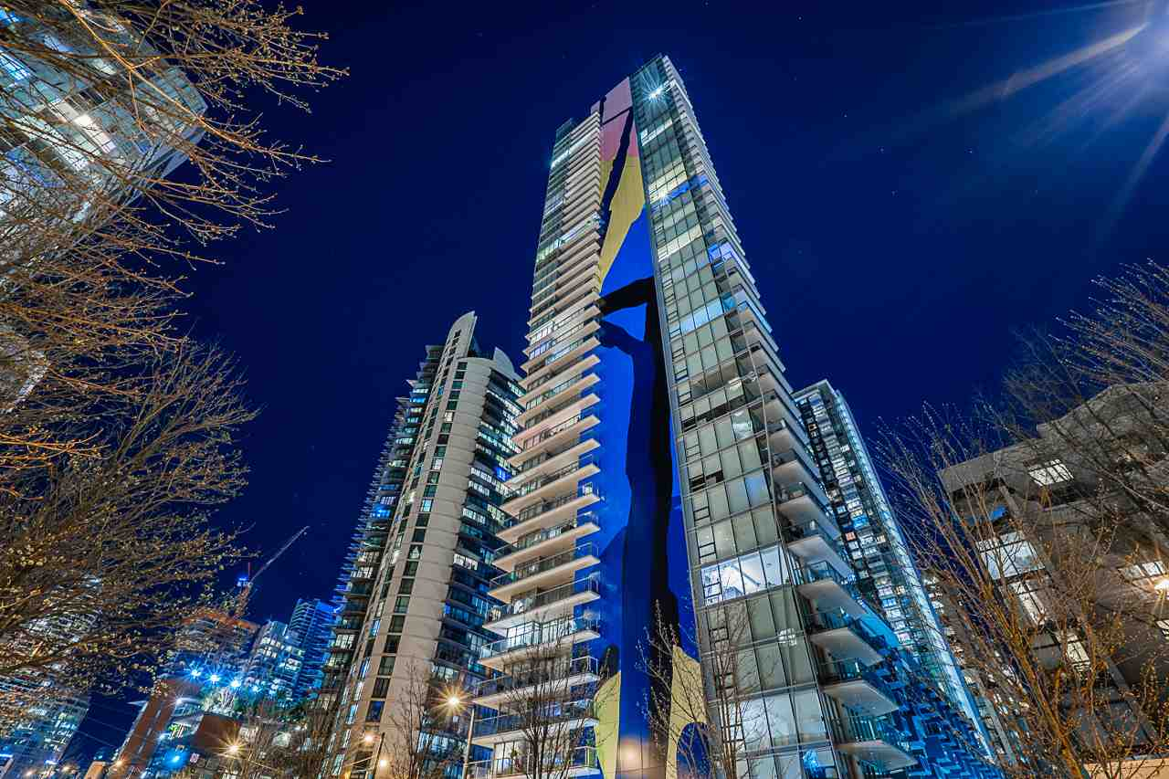 2801 499 PACIFIC STREET - Yaletown Apartment/Condo for sale, 3 Bedrooms (R2564325) - #1