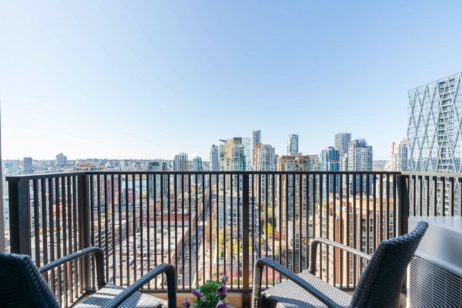 2402 1055 HOMER STREET - Yaletown Apartment/Condo for sale, 2 Bedrooms (R2564766) - #1