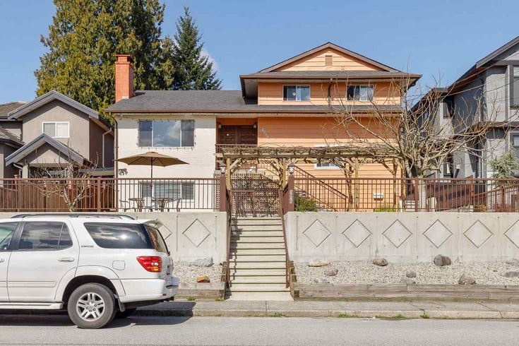 8029 11TH AVENUE - East Burnaby House/Single Family for sale, 4 Bedrooms (R2566063)