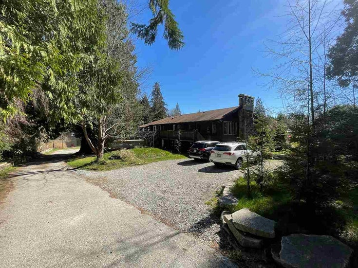 978 NORTH ROAD - Gibsons & Area House/Single Family for sale, 9 Bedrooms (R2566421)