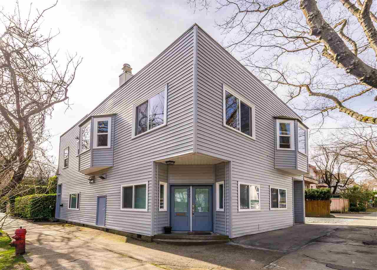 2200 W 7TH AVENUE - Kitsilano Fourplex for sale, 5 Bedrooms (R2566674)