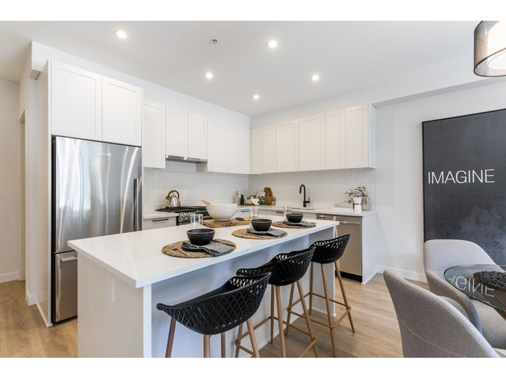 320 5415 BRYDON CRESCENT - Langley City Apartment/Condo for sale, 3 Bedrooms (R2567391)