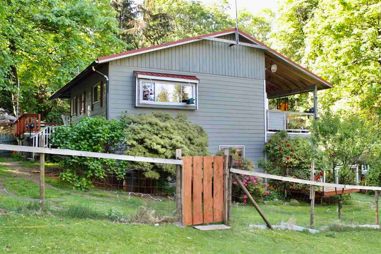 1379 MOUNT GARDNER ROAD - Bowen Island House with Acreage for sale, 3 Bedrooms (R2567498)