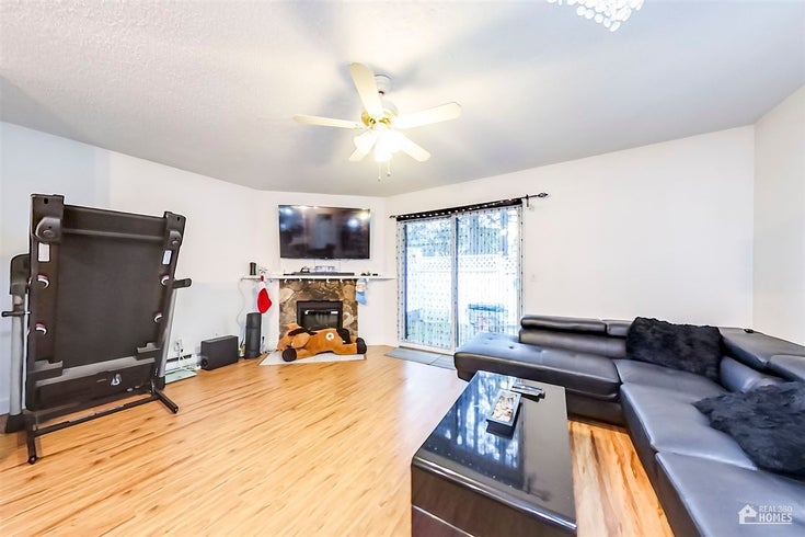248 13604 67 AVENUE - East Newton Townhouse for sale, 3 Bedrooms (R2567584)
