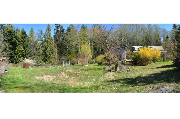 4174 SUNSHINE COAST HIGHWAY - Sechelt District House with Acreage for sale, 2 Bedrooms (R2567775)